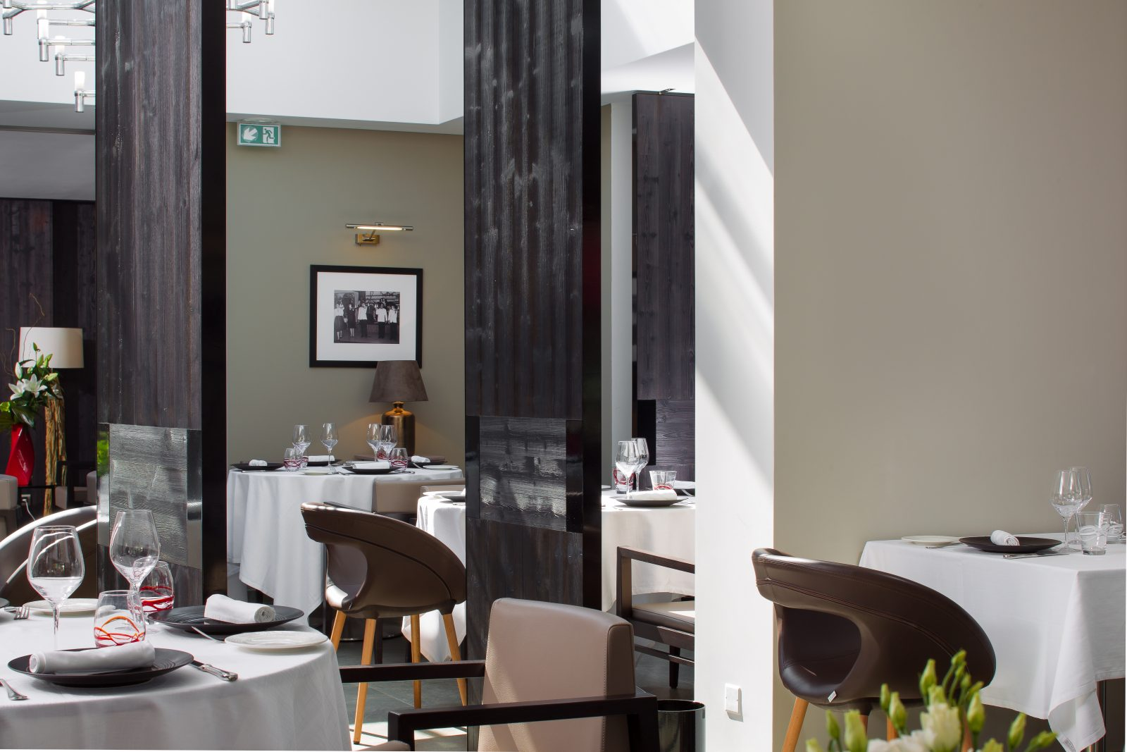 Hôtel restaurant blanc