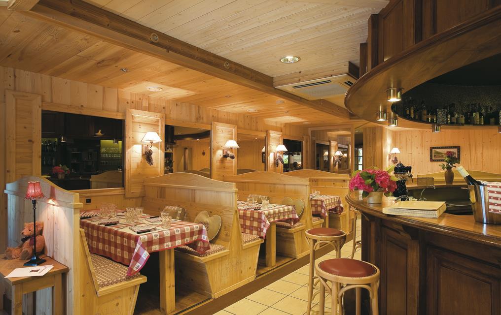 Hôtel Restaurant Blanc Marigny Saint Marcel
